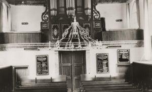 Interieur van de kerk met het Van Eldikorgel, circa 1950.