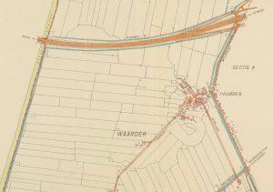 Detail van een grenskaart van de polder Het Westeinde van Waarder, rond 1960 (fotonummer A1373). De kaart laat goed zien hoe het dorp zich na de Tweede Wereldoorlog naar het oosten toe uitbreidde. Het toont tevens de belangrijke en relatief nieuwe verbinding die de A12 vormde met de Randstad.
