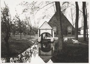 Langhuisboerderij Wulverhorst aan de Kromwijkerdijk 1a in Woerden (fotonummer M0725).